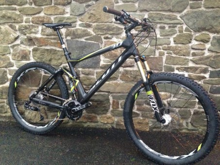 Scott Genius 30- XL- Reverb and carbon bars £1075